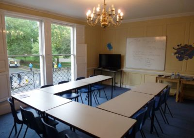 Escuela - Ministays en Bath